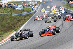 Mario Andretti, Lotus 79 Ford, leads Niki Lauda, Brabham BT46B Alfa Romeo, Riccardo Patrese, Arrows FA1 Ford , and John Watson, Brabham BT46B Alfa Romeo, at the start