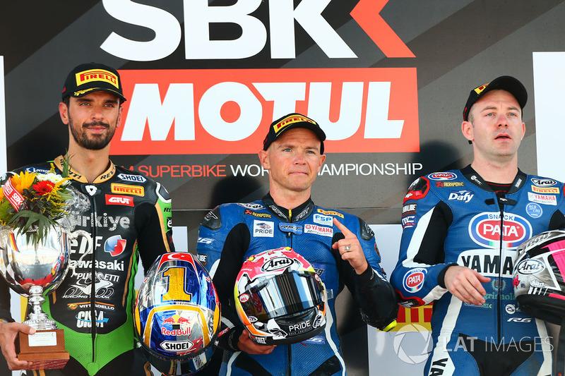 Yarış galibi Sheridan Morais, Kallio Racing Yamaha, 2 Kenan Sofuoglu, Kawasaki Puccetti Racing, 3. Lucas Mahias, GRT Yamaha Official WorldSSP Team