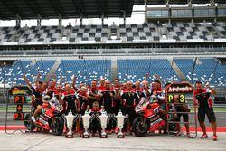Chaz Davies, Ducati Team, vainqueur, et Marco Melandri, Ducati Team, troisième