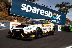 #24 Nissan Motorsport, Nissan GT-R Nismo GT3: Florian Strauss, Todd Kelly, Jann