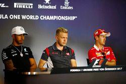Lewis Hamilton, Mercedes AMG F1, Romain Grosjean, Haas F1 Team and Sebastian Vettel, Ferrari