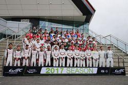 Gruppenfoto: Die Fahrer für die WEC-Saison 2017