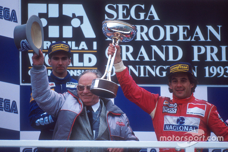 Podium: winner Ayrton Senna, McLaren MP4/8 Ford, second place Damon Hill, Williams FW15C Renault