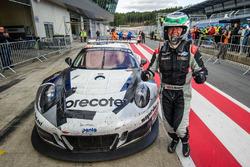 Ganador de la carrera #911 Herberth Motorsport Porsche 991 GT3 R: Daniel Allemann