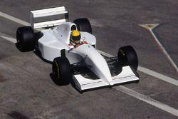 Ayrton Senna, McLaren MP4/8 met Chrysler/Lamborghini V12 motor