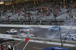 Trevor Bayne, Roush Fenway Racing Ford crash Austin Dillon, Richard Childress Racing Chevrolet Ryan