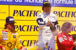 Podium: race winner Nelson Piquet, Brabham BMW, second place Keke Rosberg, Williams Honda, third pla