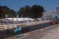 Ivan Capelli, Leyton House CG901 Judd leads Alain Prost, Ferrari 641