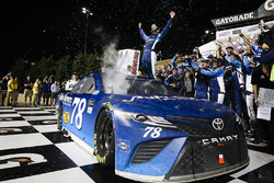 Racewinnaar Martin Truex Jr., Furniture Row Racing Toyota