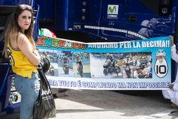Un cartellone per Valentino Rossi, Yamaha Factory Racing