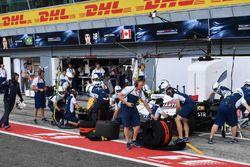 Arrêt au stand pour Lance Stroll, Williams FW40