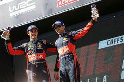Podium : les troisièmes, Thierry Neuville, Nicolas Gilsoul, Hyundai i20 WRC, Hyundai Motorsport
