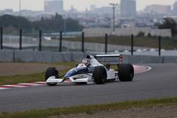 ティレル019をドライブする中嶋大祐(Daisuke Nakajima / Tyrrell 019)