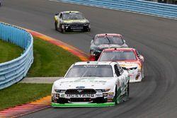 Kevin Harvick, Stewart-Haas Racing Ford, Michael Annett, JR Motorsports Chevrolet