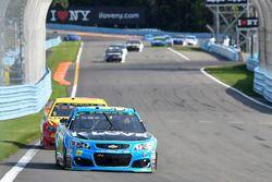 Michael McDowell, Leavine Family Racing Chevrolet, Joey Logano, Team Penske Ford