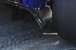 الناشر الخلفي لسيارة ساوبر سي35