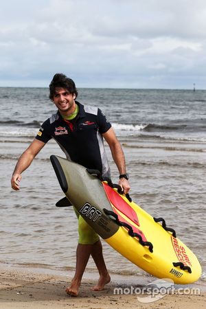 Carlos Sainz Jr., Scuderia Toro Rosso à St Kilda Beach avec le St Kilda Lifesaving Club