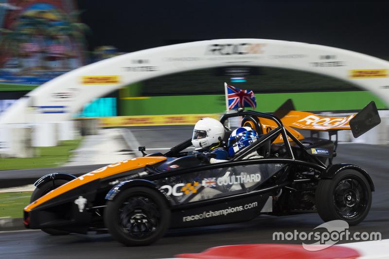 David Coulthard, conduce el Ariel Atom Cup