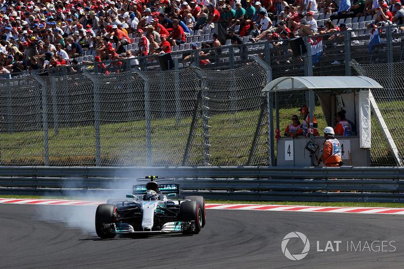 Valtteri Bottas, Mercedes-Benz F1 W08 Hybrid bloquea los frenos