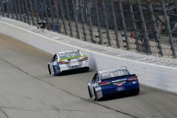 Ricky Stenhouse Jr., Roush Fenway Racing Ford and Danica Patrick, Stewart-Haas Racing Ford