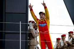 Podium: winnaar Jordan King, Racing Engineering