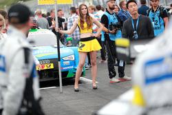 Une Grid Girl d'Edoardo Mortara, Audi Sport Team Abt Sportsline, Audi RS 5 DTM