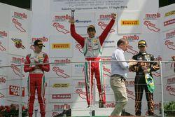 Podium race 1: tweede plaats Mick Schumacher, Prema Powerteam, winnaar Juan Manuel Correa, Prema Pow