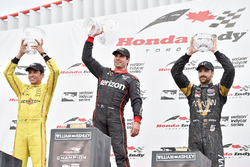 Podium: race winner Will Power, Team Penske Chevrolet, second place Helio Castroneves, Team Penske Chevrolet, third place James Hinchcliffe, Schmidt Peterson Motorsports Honda