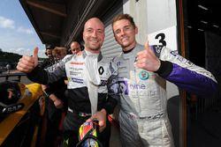 Peringkat kedua #14 V8 Racing Renault RS01: Nicky Pastorelli, Joshua Webster