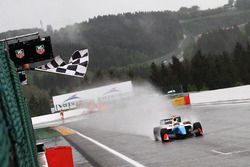 Race winnaar Matthieu Vaxiviere, SMP Racing
