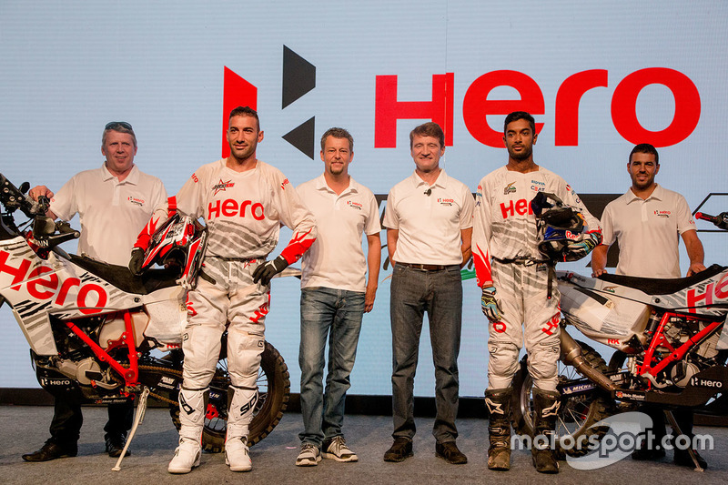 Joaquim Rodrigues, Hero MotoSports Team Rally y CS Santosh, Hero MotoSports Team Rally, Dr. Markus Braunsperger, CTO Hero Motocorp y Wolfgang Fischer, Team Manager Hero MotoSports Team Rally