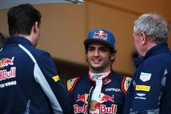 James Key, directeur technique Scuderia Toro Rosso, Carlos Sainz Jr., Scuderia Toro Rosso et Dr Helmut Marko, consultant Red Bull