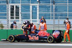 Max Verstappen, Scuderia Toro Rosso STR11 abandonne