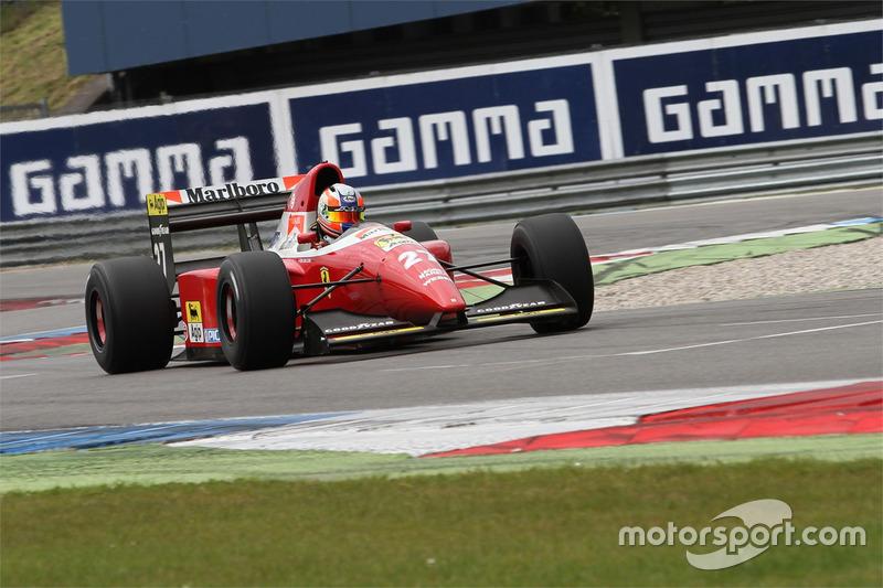 Erik van Loon in een Ferrari F93A