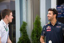 Paul di Resta, Williams Reserve Driver with Daniel Ricciardo, Red Bull Racing