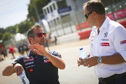 Sébastien Loeb, Team Peugeot Hansen y Kenneth Hansen