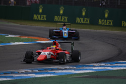 Jake Dennis, Arden International leads Akash Nandy, Jenzer Motorsport