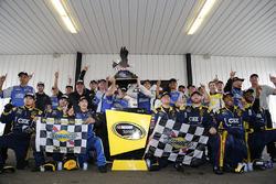 Ganador Chris Buescher, Front Row Motorsports Ford