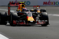 Max Verstappen, Red Bull Racing RB12; Daniel Ricciardo, Red Bull Racing RB12