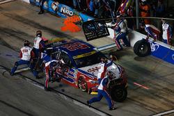 Joey Logano, Team Penske Ford, arrêt aux stands