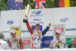 Podium: Nick Cassidy, Prema Powerteam Dallara F312 – Mercedes-Benz, Ben Barnicoat, HitechGP Dallara