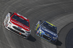 Ryan Blaney, Wood Brothers Racing Ford, Jimmie Johnson, Hendrick Motorsports Chevrolet
