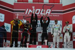 Gara 2 podio GTCup: Di Leo-Poppy, Vago Porsche 997-GTCup #171, Sauto-Zanardini, Mster-KR Racing, Fer
