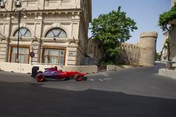 Gulhuseyn Abdullayev roulant sur le Baku City Circuit