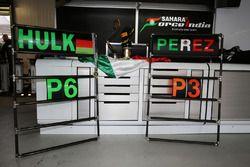 Le team Sahara Force India F1 fête la 3e place de Sergio Perez et la 6e de Nico Hulkenberg