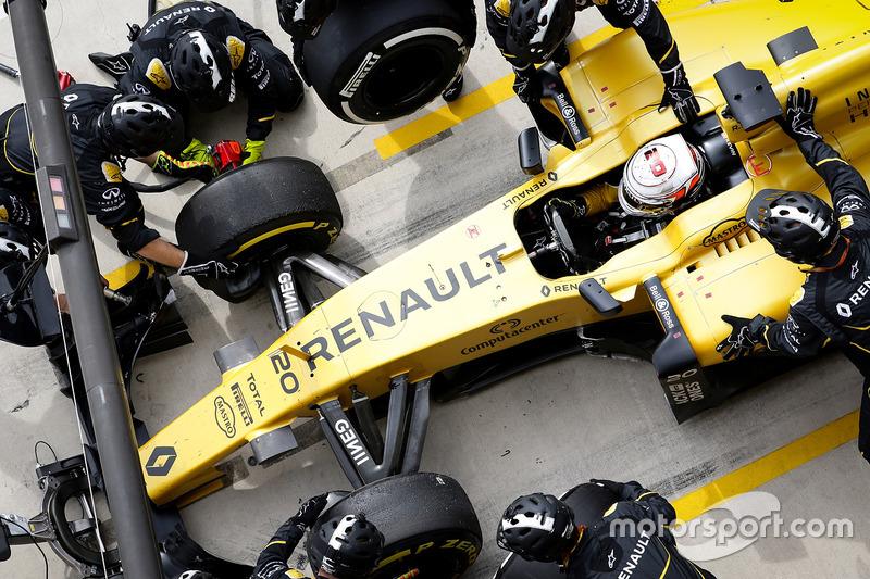 12e - Kevin Magnussen (Renault)