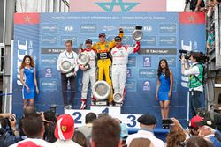 Podium: race winner Tom Coronel, Roal Motorsport, Chevrolet RML Cruze TC1, second place José María López, Citroën World Touring Car Team, third place Yvan Muller, Citroën World Touring Car Team, Citroën C-Elysée WTCC