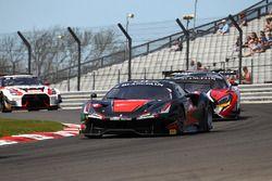 #11 Kessel Racing, Ferrari 488 GT3: Michal Broniszewski, Giacomo Piccini