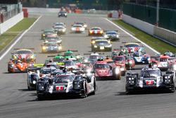 Старт: Тимо Бернхард, Марк Уэббер, Брендон Хартли, #1 Porsche Team Porsche 919 Hybrid лидирует