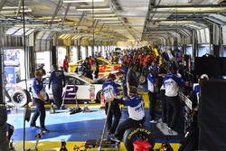 Arbeiten in der Sprint-Cup-Garage während des Freien Trainings